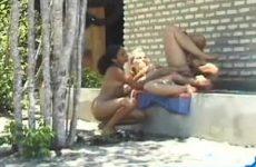 Een trio op sex vakantie met een Thais hoertje